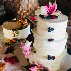 Wedding and Grooms Cakes Gallery